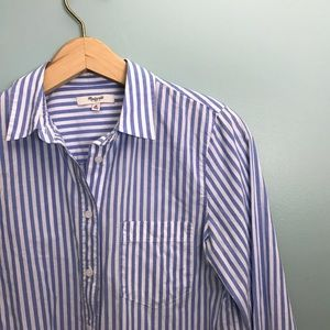 Madewell Blue and White Button Down Blouse Fitted